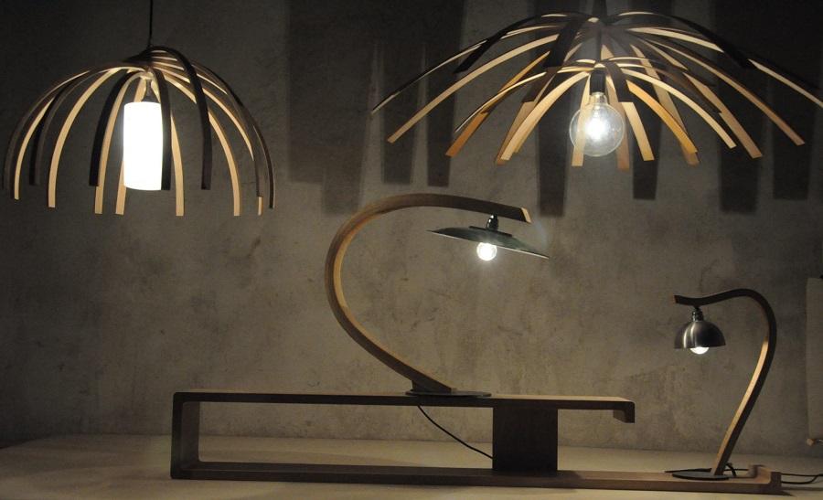 Luminaires Arawmat insolites en bois courbé
