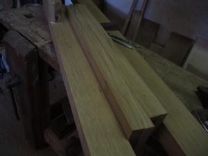 Planches de chêne rabotées