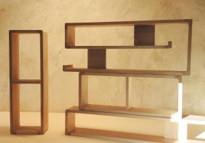 Série d'étagères Arawmat modulables de la collection zigzag