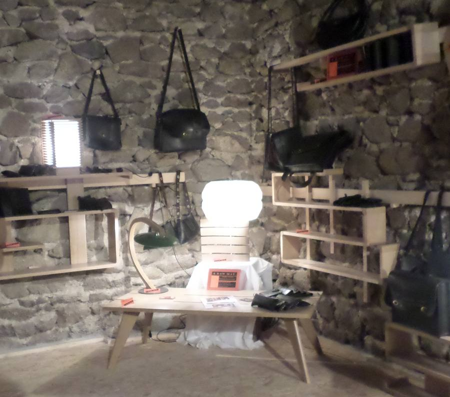 Exposition de créateurs de mobilier bois et d'accessoires en chambre à air