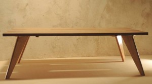 Table basse Arawmat design en chêne clair