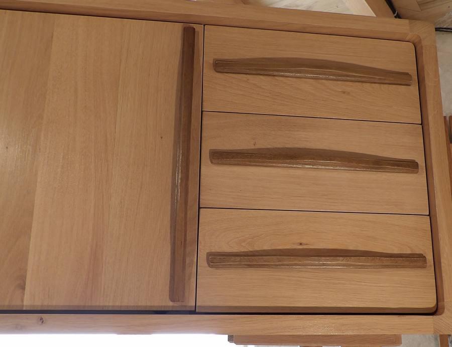 Détail tiroirs et poignées Arawmat