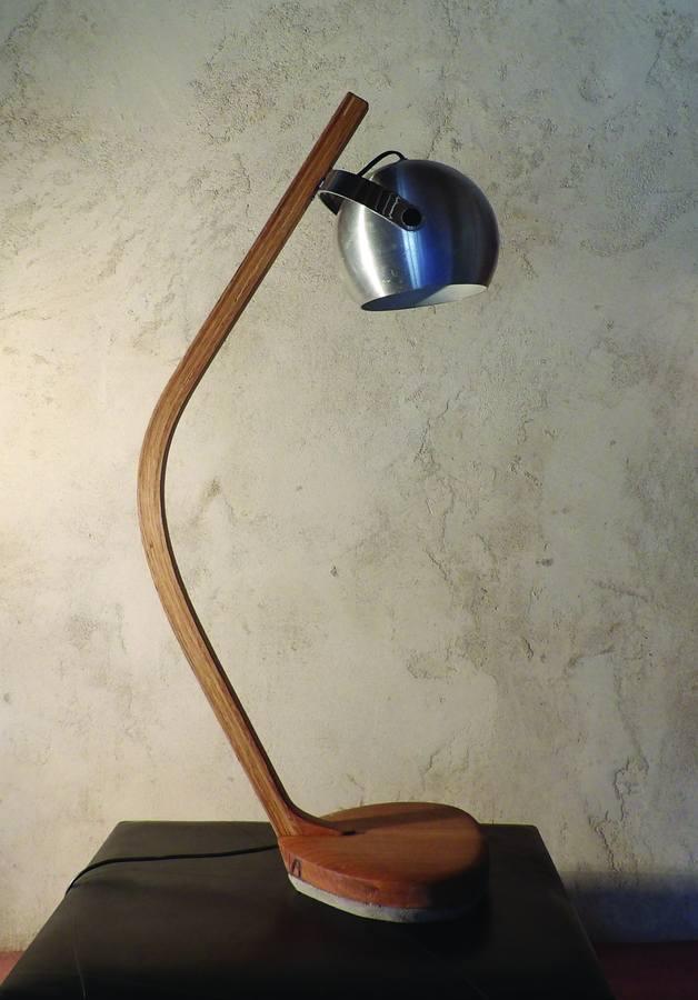 Luminaire contemporain en bois massif fabriqué en Auvergne