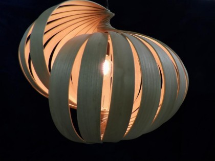 Luminaire bois made in france en forme de coquillage