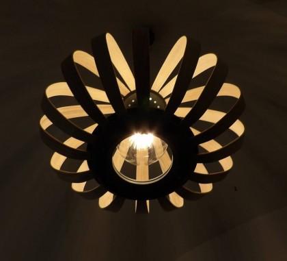 Luminaire made in france bicolore frêne et couleur noire du valchromat