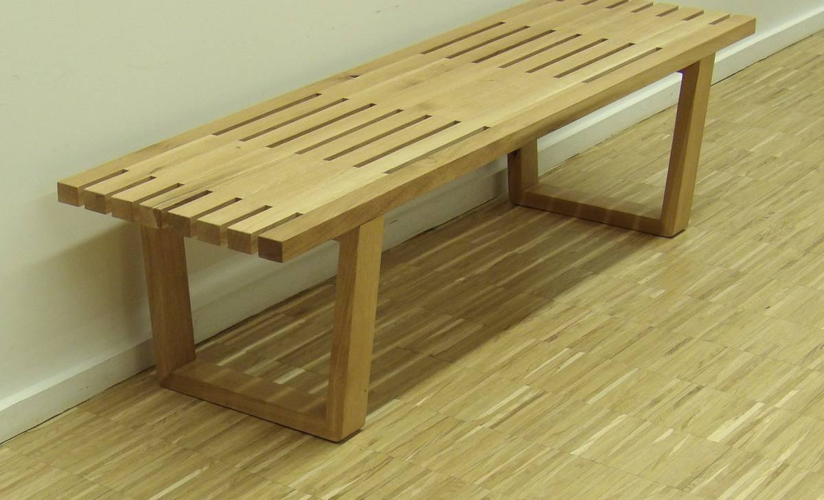 Banc design ou table d'appoint contemporaine en chêne crée en auvergne