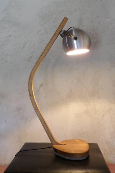 Luminaire contemporain en bois massif