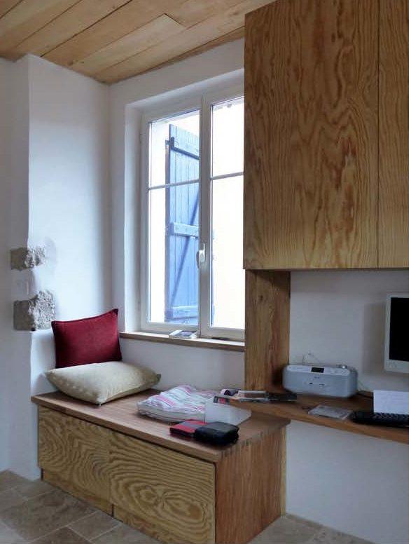 coin bureau l'ancien d'une cuisine bois moderne