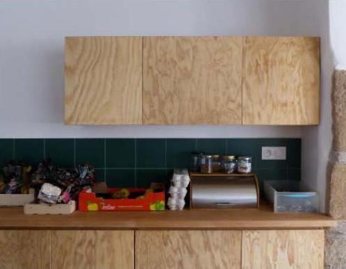 Rénovation dans l'ancien d'une cuisine bois moderne